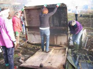 Girl power! A great turnout saw lots of clearing work on the Kids' Community Garden (plot 108 near the car park), February 2004.
